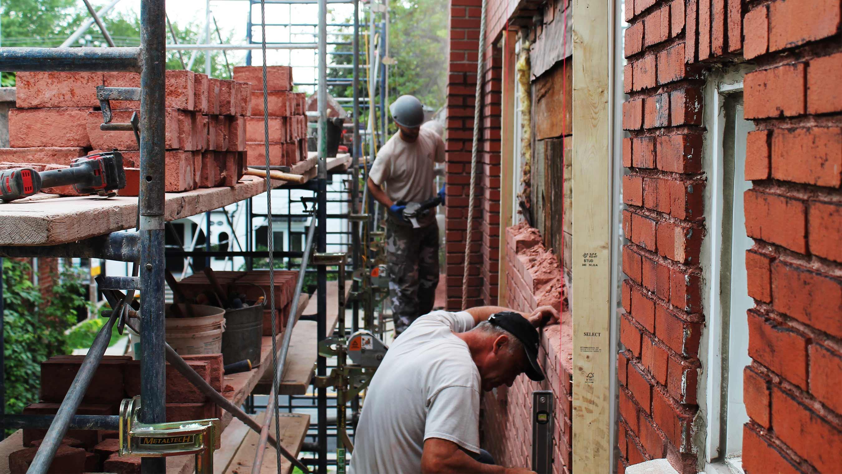 rénovation et restauration effectués par des maçons